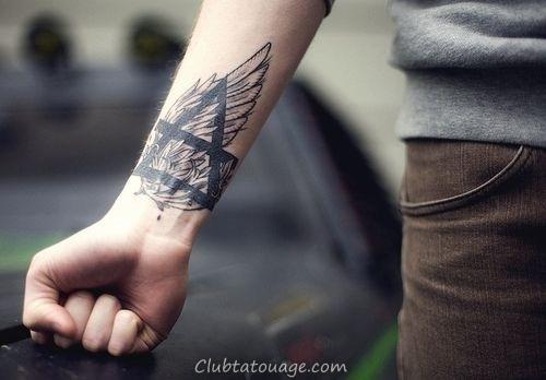 32 étonnants idées de tatouage au poignet (4)