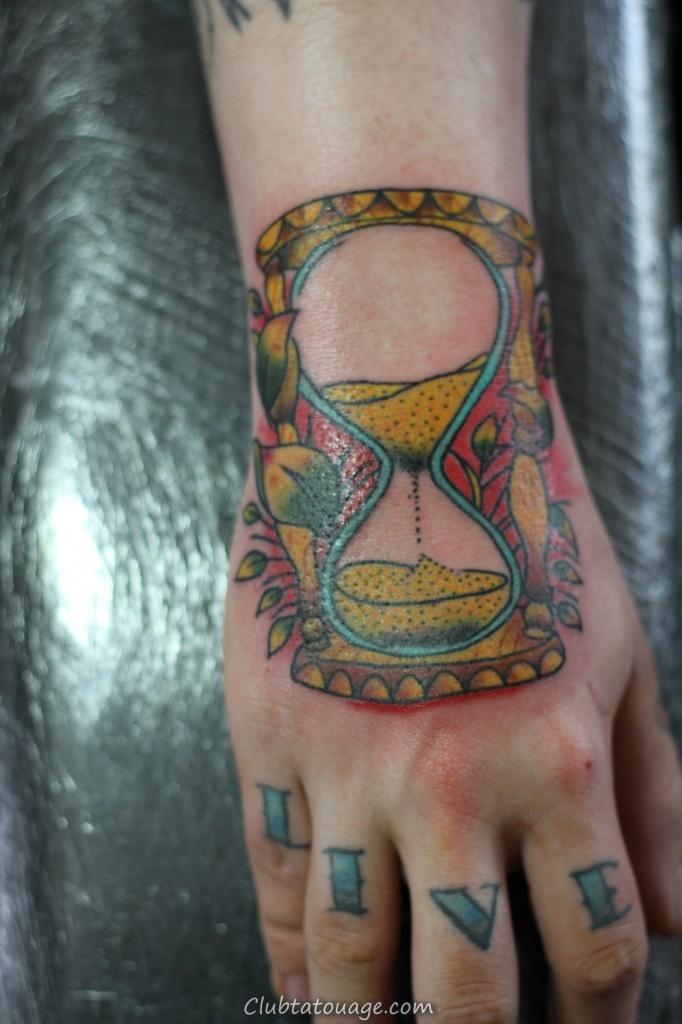 Hourglass Tatouages - Designs et Idées