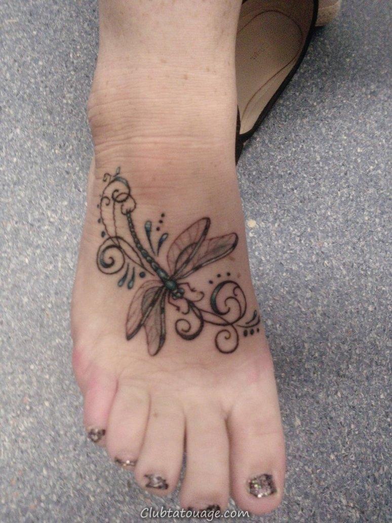 Tatouages Dragonfly sur les pieds