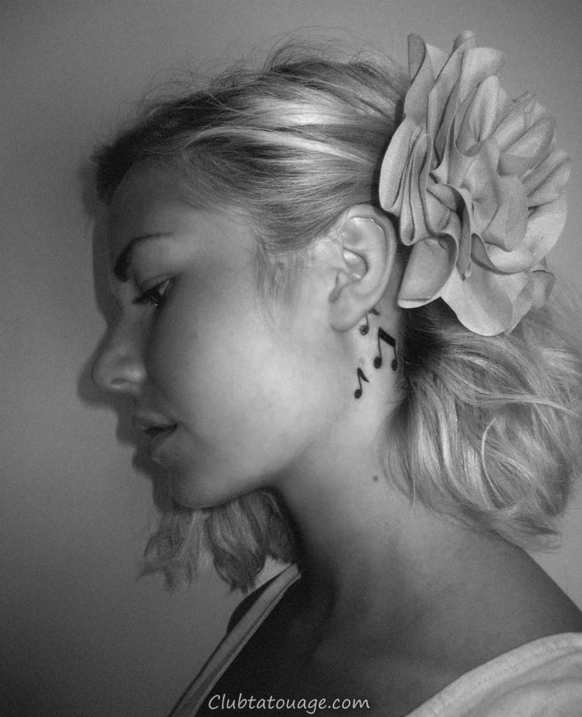 Music Note Tattoo derrière l'oreille