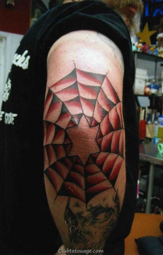 Spider Web sur Elbow Tattoo