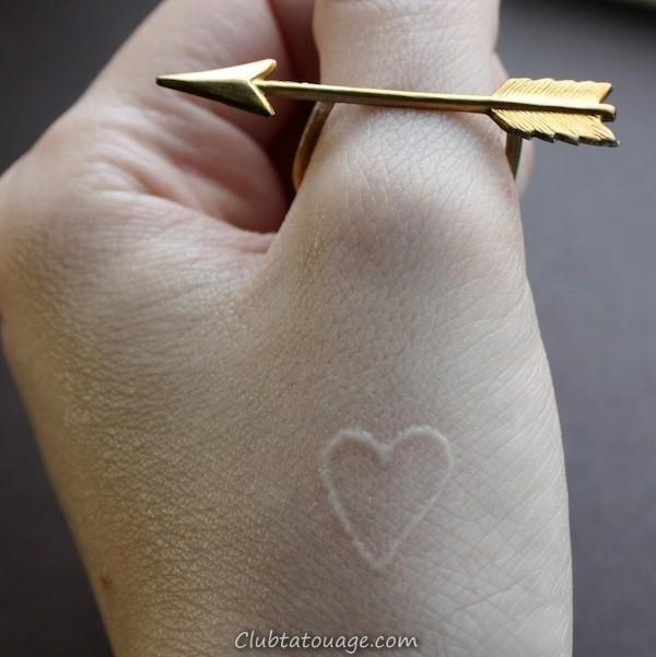 cou-blanc-encre de tatouage