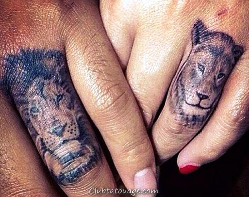tatouages lions doigt