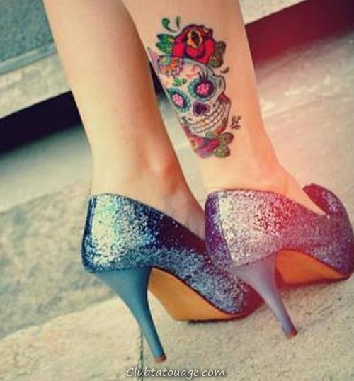 fleurs tatouage de crâne design