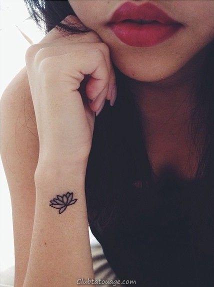 Petite fleur Idées de tatouage
