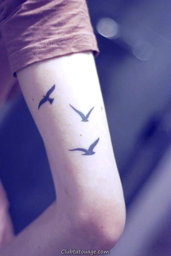 width tattoo-Oberarm-tatouages