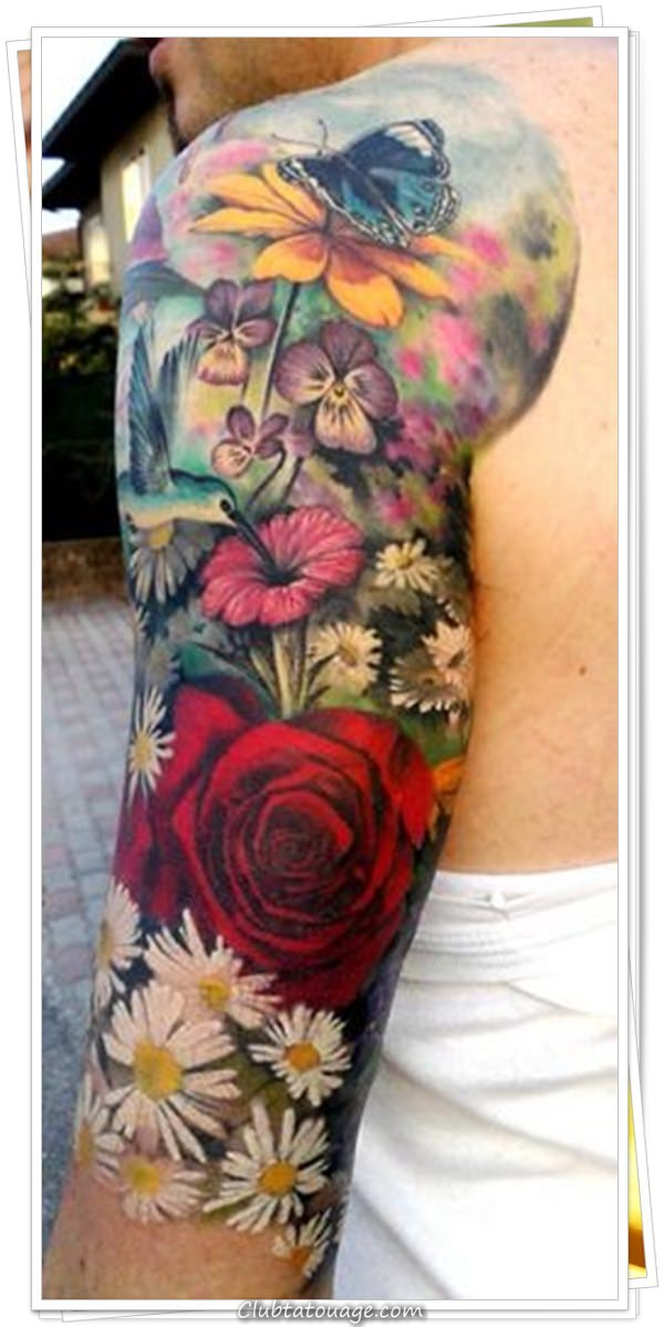a des tatouages de fleurs 5