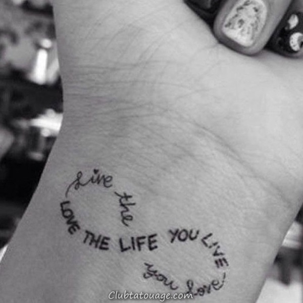 40 tatouages étonnants sur le poignet 11