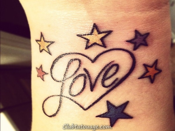 40 tatouages étonnants sur le poignet 37