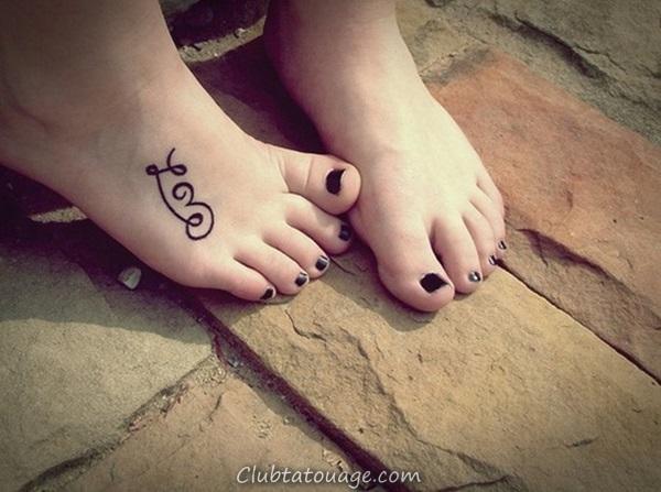 40 Attractive Idées de tatouage de pied 1