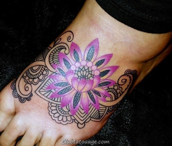 Attractive 40 pieds tatouage idées 14