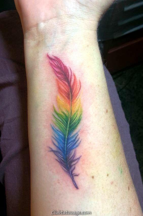 plume tatouage arc-en-_