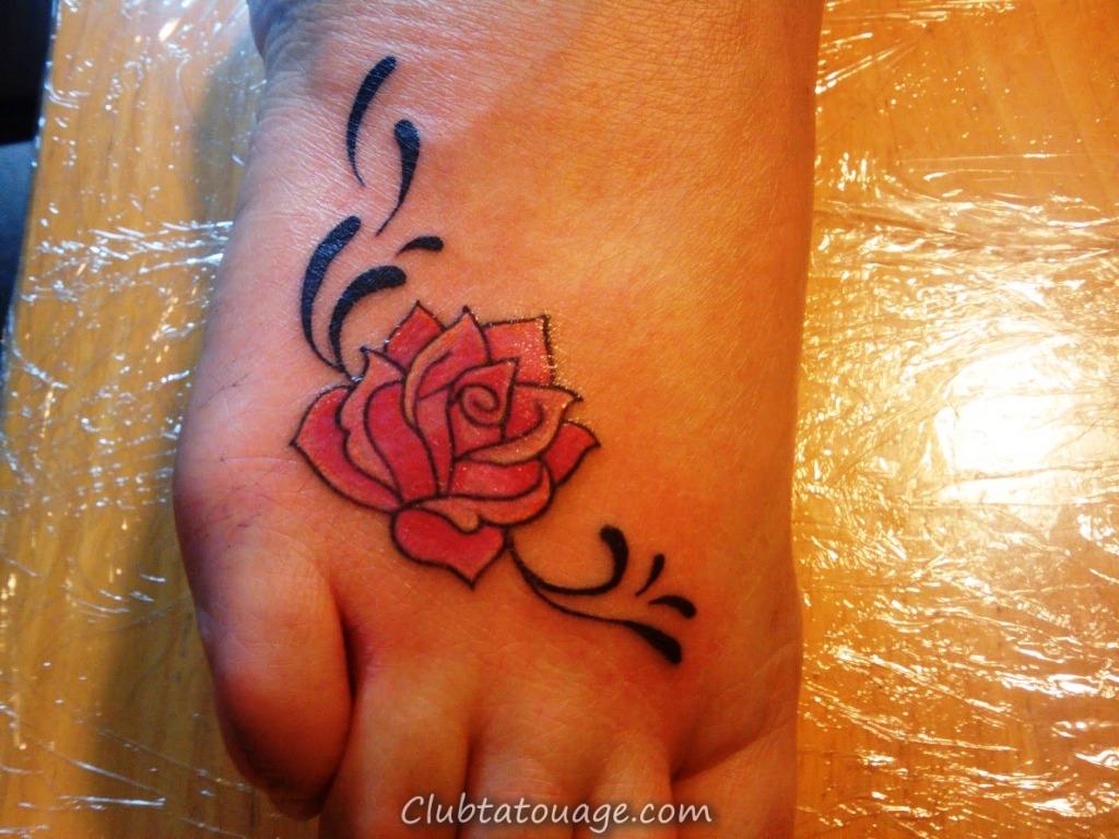 Rose-Tattoos-sur-Foot