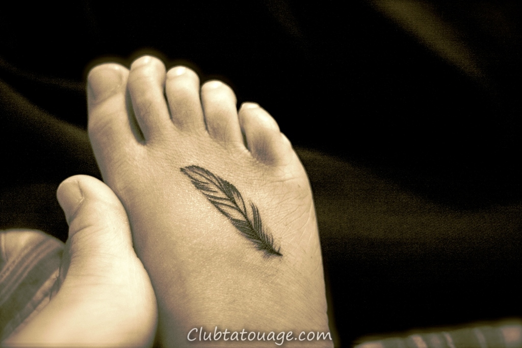 Petit-Feather-Foot- Tattoo