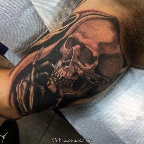 Le célèbre chanteur Inner bras Homme Tattoo