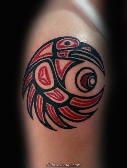 Recroquevillé Haida oiseau Tattoo Male Arms
