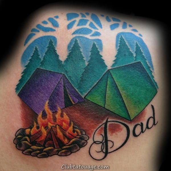 Cheminée de couleur et tentes de vacances avec papa Tattoo Homme Retour