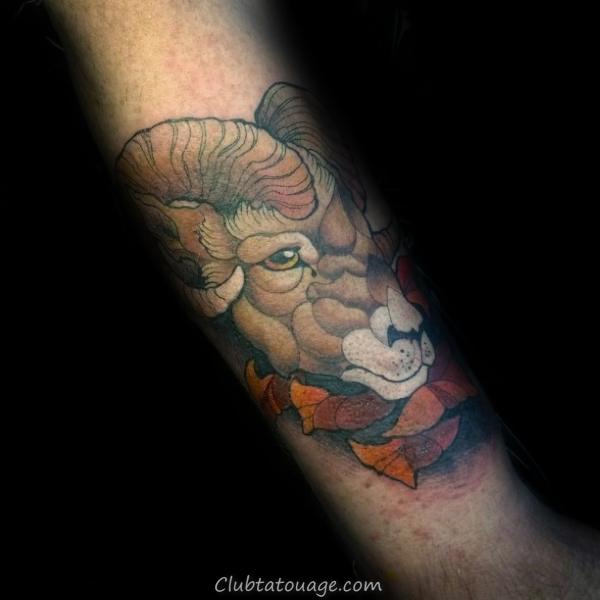 Forearm Homme Ram Neo traditionnelles de conception des tatouages