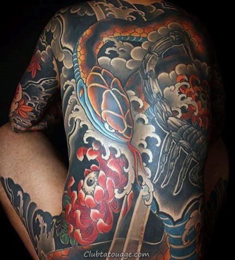 Full Back Chrysanthème et le serpent mâle tatouages japonais