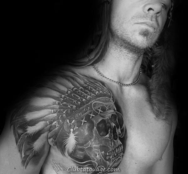 Gentleman Avec tatouage de crâne indien sur Upper Chest
