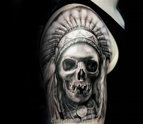 Half Sleeve Mens Tattoo Of Skull indienne sur Upper Arms