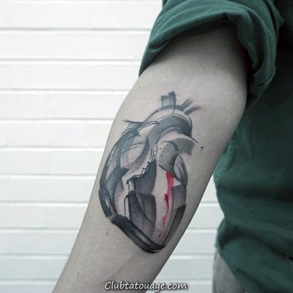 Coup de pinceau japonais Bras Lettrage Homme Tatouage sur l'épaule et la poitrine