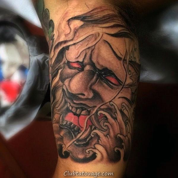 Man With Skull Tattoo 3d bras intérieur
