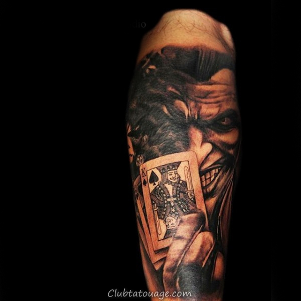 width roi Jouer Tattoo carte Homme Arm