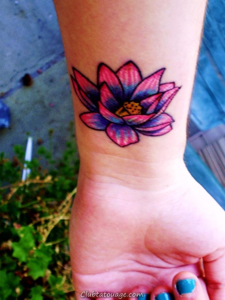 fleur de lotus conceptions de tatouage pour les femmes