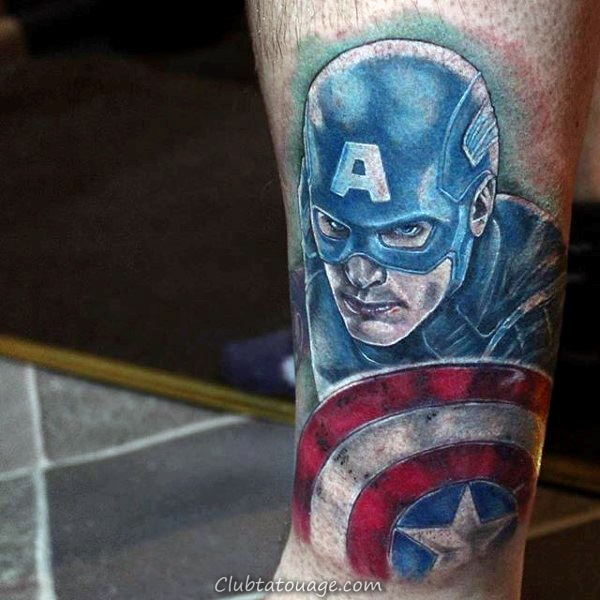 Homme Avec 3d Ripped peau Captain America Shield Tattoo Inner Forarem