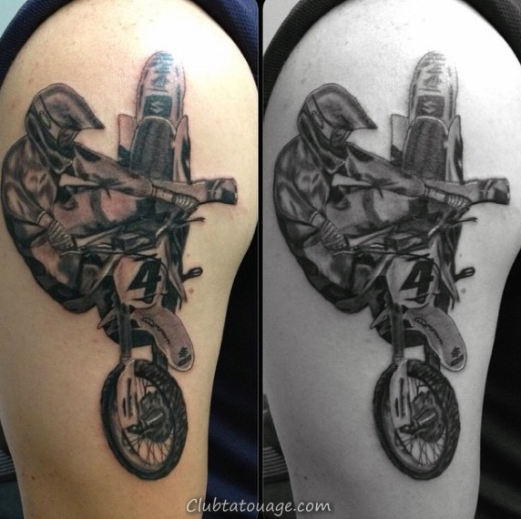 Man With Motocross Tattoo Et Chimie Conception Sleeve