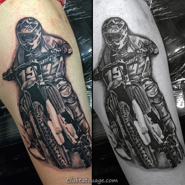 Man With 3D réaliste Motocross Shock Tattoo Sur Forearm