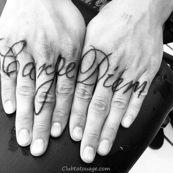 width Mens Decorative Script haut du dos d'encre noire Design Tattoo Inspiration