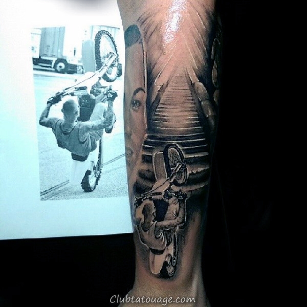 Shaded gris et encre noire Motocross Guys Upper Chest Tattoo