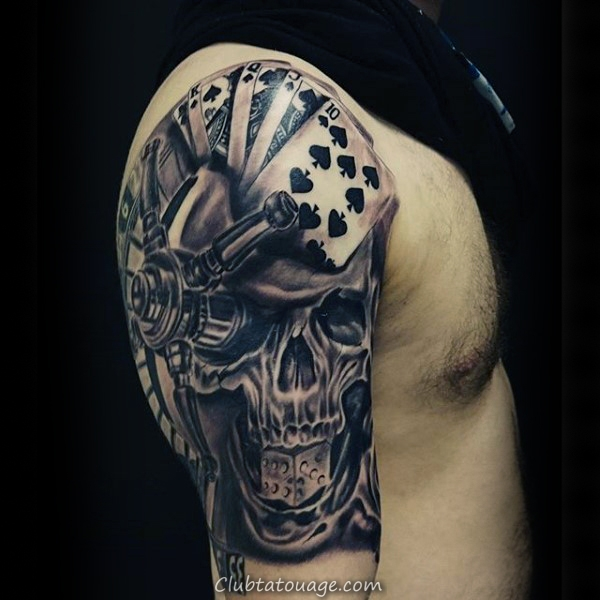 Upper Poitrine Homme Réaliste Jouer Carte Tattoo Ideas