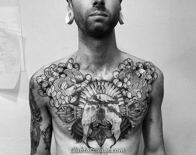 Avec Serpent Skull Et chrysanthème Upper Poitrine Tatouages Pour Messieurs