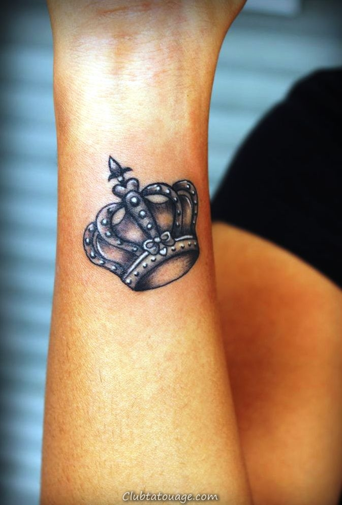 20 petits tatouages Couronne Idées, dessins et modèles