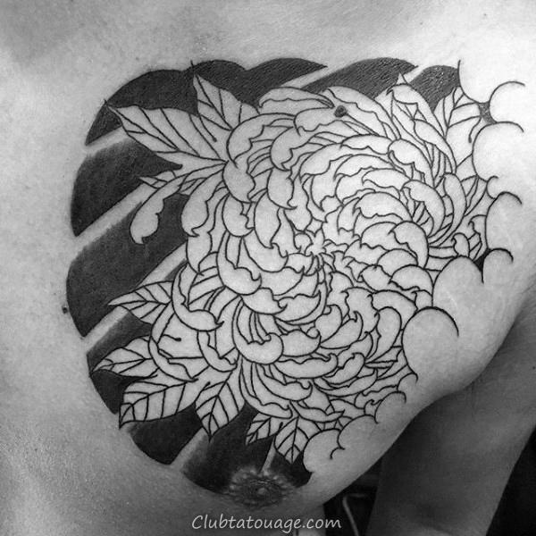 Upper Chest encre noire Outline chrysanthème japonais Homme Tattoo