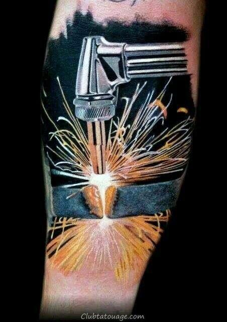 réaliste coupe 3d torche de soudage à travers le métal Poutre Mens Leg Tattoo