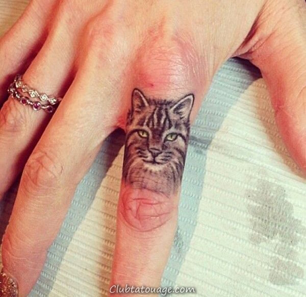 Tatouage sur le doigt 1