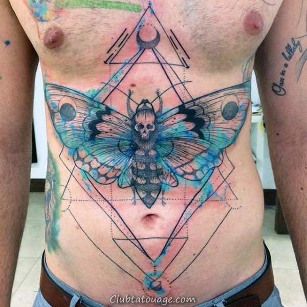 Résumé Watrcolor Hommes Moth pleine poitrine Tatouages 