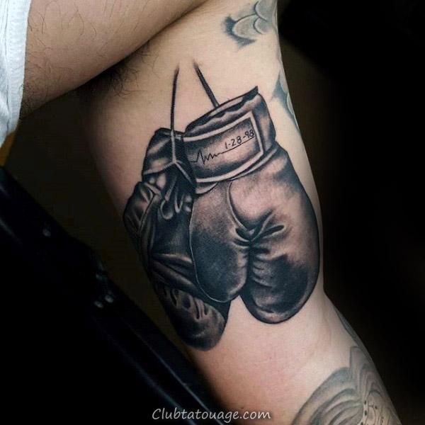 Awesome Memorial Gants de boxe Tattoo Sur Guys bras intérieur