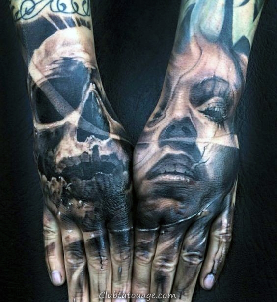 Portrait Femme Avec Skull Hommes main Tatouages 