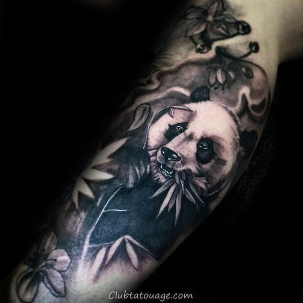 masculine Mens Shaded Panda Tattoo sur Upper Chest