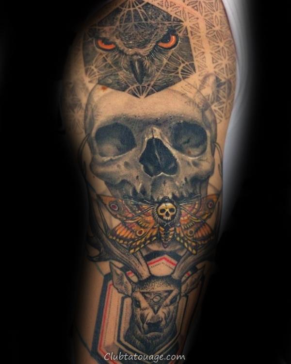 width Mens Incredible Moth tatouage sur la cuisse