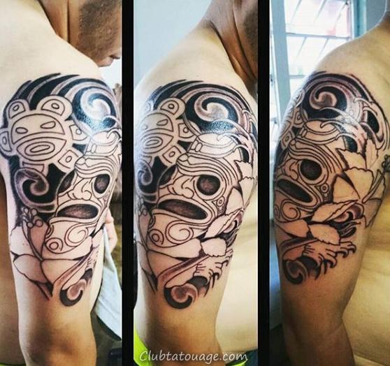 Mens moitié manches et la poitrine Taino Tattoo avec des fleurs