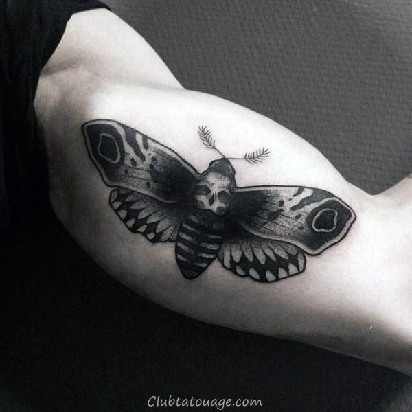 Moth Palm Of Hands Mens Tattoo Idées 600