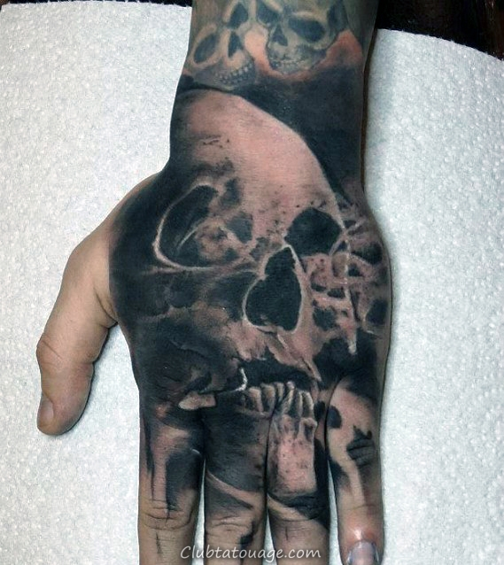 Mens Smoking Skull main Tatouages