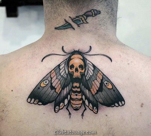 Red Black And Blue Homme Moth Avec Crâne Leg Tatouages