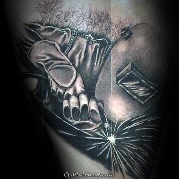 Crâne avec la torche de soudage Cross Bones Hommes Petit Tattoo Ideas